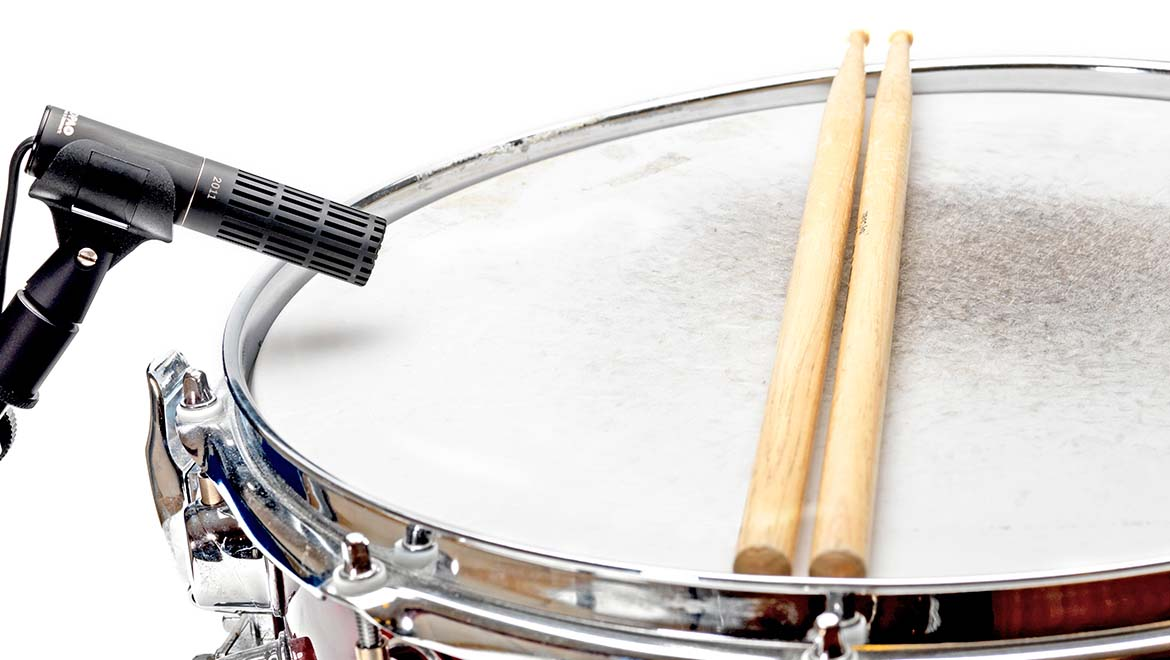 Miking-a-snare-drum-L-1.jpg